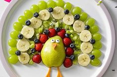 Fruit and Vegetable Carving Veggie Tray Fruit And Vegetable Carving, Veggie Tray, Traditional Thanksgiving Menu, Thanksgiving Fruit, Vegetarian Menu, Food Garnishes, Balsamic Beef, Lunch Menu, Vegan Recipes Easy