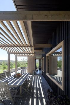 The Plinth House / Luke Stanley Architects ( shade cover that changes with the seasons)