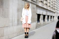 Street style semana de la moda de Londres febrero 2015 botas Louis Vuitton