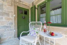 Házak, homlokzatok - Otti- burkolat,térkő,cementlap,kandalló,fedkő,lépcső,lábazat,kőkút Outdoor Furniture Sets, Outdoor Decor, Home Decor, Homemade Home Decor, Decoration Home, Interior Decorating, Outdoor Furniture