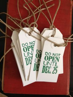 LOVELY CHRISTMAS TAGS:-) Green and White Christmas Gift Tags. $8.50, via Etsy.