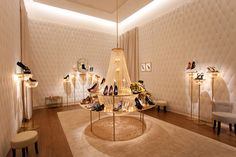 Louis Vuitton recently opened its pop-up shoe store at Dubai Mall. Visit it  add more cheer to your new year! http://www.luxuryfacts.com/index.php/sections/article/3552