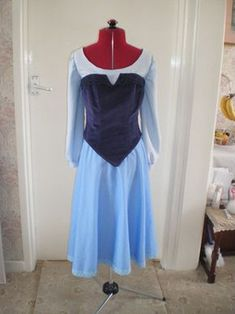 Tutorial of how to sew the costume - from start to finish. LOTS OF PICTURES!