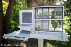 "Modern bird house ""Vogelvilla Bauhaus"""
