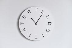 Los estados de ánimo del reloj de pared de Paula Estudio - diseñadores, por necesidad, fabricado en Italia en CROWDYHOUSE