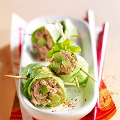 Thunfisch-Avocado-Salatröllchen - - Thunfisch-Avocado-Salatröllchen Source by dsanchezantonet Healthy Dinner Recipes, Healthy Snacks, Healthy Eating, Cooking Recipes, Avocado Salat, Tuna Avocado, Fruits And Veggies, Entrees, Brunch
