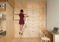 Space-saving modular studio for an artist by Raanan Stern