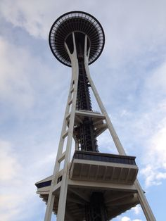 Seattle, Washington I have been to the top of this tower. Green Earth, Seattle Washington, Great View, Passport, Places Ive Been, Vacations, Globe, To Go, Places To Visit