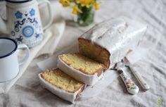 Lemon & Vanilla: The Violet Bakery Lemon Drizzle Loaf / Bolo Drizzle de Limão da Violet Bakery.