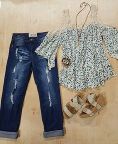 Causal but cute!! #bucketheads #beautiful #coloroftheyear #bhlove #fashionstyle #fashion #coldsholder #floral #holyjeans #wedges