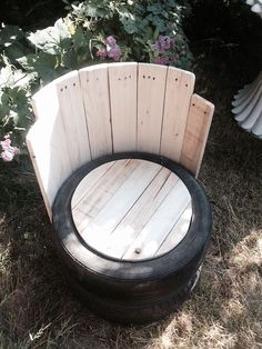 Old Tires With Pallets Wood Outdoor Chair - Pallet Furniture Project Tire Furniture, Outdoor Furniture Plans, Recycled Furniture, Rustic Furniture, Modern Furniture, Furniture Storage, Furniture Design, Handmade Furniture, Wood Pallet Furniture