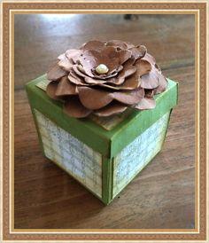 Dit doosje kon je bij mij maken op het Creaspektakel in Kampen. Het gratis patroontje en de beschrijving kun je vinden op mijn blog