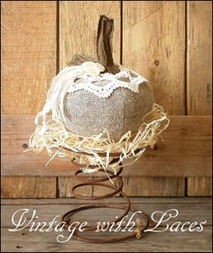 Fall decoration: Rustic fabric pumpkin on rusty bed spring Bed Spring Crafts, Spring Projects, Autumn Crafts, Spring Art, Fabric Pumpkins, Fall Pumpkins, Rusty Bed Springs, Box Springs, Primitive Crafts