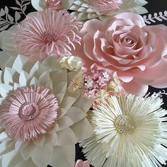 Paper Flower Backdrop Paper Flower Centerpiece by APaperEventThis Pin was discovered by Катere is the last part on how I made this paper flower using my template and with this look you don't have to cut in the middle just roll Paper Flowers Craft, Large Paper Flowers, Paper Flower Wall, Paper Flower Backdrop, Giant Paper Flowers, Flower Crafts, Diy Flowers, Paper Crafts, Wall Flowers