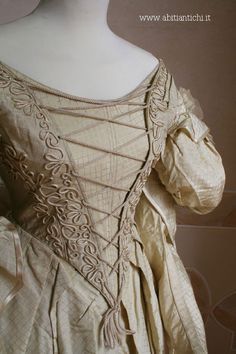 Abiti Antichi- Abito 173Evening dress and mantle, ca 1834