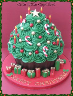 Giant Christmas Tree Cupcake- Made using the big cupcake pan. Christmas Tree Cupcakes, Christmas Sweets, Christmas Cooking, Christmas Goodies, Christmas Present Cake, Christmas Birthday Cake, Christmas Candles, Xmas Tree, Merry Christmas