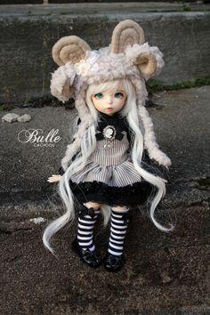 Bulle (by cachoou) Tiny Dolls, Cute Dolls, Blythe Dolls, Troll Dolls, Creepy Dolls, Doll Museum, Victorian Dolls, Realistic Dolls, Chiffon