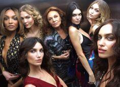 Fashion Week de New York: Jourdan Dunn, Karlie Kloss, Kendall Jenner, Gigi Hadid, Irina Shayk... le selfie du casting super tops du défilé Diane von Furstenberg automne-hiver 2016-2017