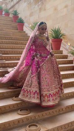 Indian Bridal Photos, Indian Bridal Makeup, Indian Bridal Outfits, Indian Bridal Wear, Indian Dresses, Desi Wedding Dresses, Wedding Lehanga, Bridal Dresses, Bridal Gown
