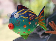 Beautiful handmade and hand-painted papier mache fish. It is hollow, light weight paper mache. Paper Mache Balloon, Paper Mache Clay, Paper Mache Sculpture, Paper Clay, Diy Paper, Paper Art, Paper Mache Projects, Paper Mache Crafts, Art Projects