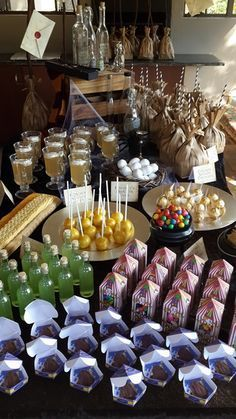 Harry Potter Party Eats & Treats Table. Yes please!