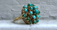 Retro Vintage 14K Yellow Gold Turquoise Cluster Ring.