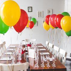 У нас сегодня яркая испанская вечеринка, на которой мы готовим множество испанских закусок и испанскую паэлью. #красивоподано #кулинарнаяшкола #кулинарнаястудия #лофт #шарики #цвет #питер #спб #кулинарныймастеркласс