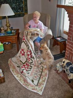 Margo K made this pretty star quilt | Show and Tell! | Pinterest ... : quilt hoop floor stand - Adamdwight.com