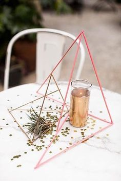 DIY geometric sculptures for your modern wedding.