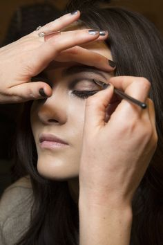 Diane von Furstenberg Fall 2016 Ready-to-Wear Fashion Show Beauty