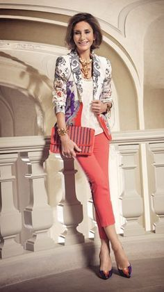 Women S Fashion During The Fashion Over Fifty, 60 Fashion, Over 50 Womens Fashion, Fashion Looks, Mom Outfits, Casual Outfits, Casual Chic, Look Blazer, Advanced Style