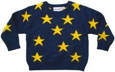 Mini Rodini - trui sterren - Coole jongens en stoere meisjes zullen gek zijn van deze erg warme, dikke trui in donkerblauw met gele sterren. De binnenkant van de trui is geel met blauwe sterren. Wie de labels voorzichtig verwijdert, kan de trui ook omgekeerd dragen. 50% viscose/45% nylon/5% angora.