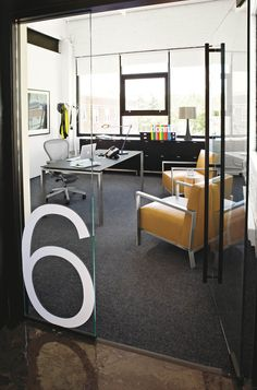 Graphics on the glass walls. Numbered offices easier to locate. Name meeting spaces, label accordingly #modernofficedesigns