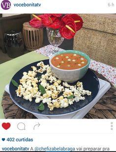 #healthyfood #healthyrecipe #cozinhanutritiva #saudavelsemneura Receita da Chef Izabela Braga no Instagram @vocebonitatv | Programa Você Bonita | TV Gazeta | Gazpacho com Pipoca Picante | Com Carol Minhoto | Março de 2016.
