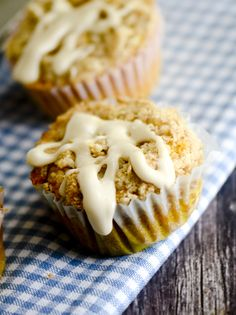 Pumpkin Streusel Muffins with Maple Glaze – Recipe Diaries