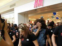 Fun, frenzy & the Harlem Shuffle as H opens in Baybrook Mall