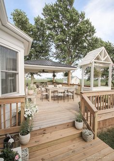 Come see all the details of this beautiful outdoor living space with tons of style and charm at influencer Liz Fourez's Indiana home | lovegrowswild.com Outside Living, Outdoor Living, Casas Country, Decks And Porches, Patio Decks, Outdoor Spaces, Outdoor Decor, Backyard Patio Designs, Diy Deck