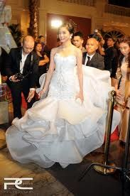 http://www.francislibiran.com/?gallery=celebrities    so in love with this dress by Francis Libiran