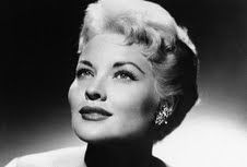 Patti Page, sang Tennessee Waltz and How Much is that Doggie in the Window Lovely voice