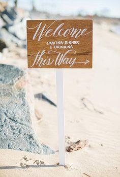 Simple and pretty | Brides.com