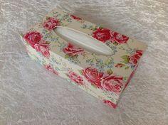 """Romantische Tücher-Box """"Rosentraum"""" von GESCHENKE MIT STIL bei DaWanda. Mehr schöne Geschenke & Wohnaccessoires findest Du hier: www.facebook.com/DanielasGeschenkeMitStil"""