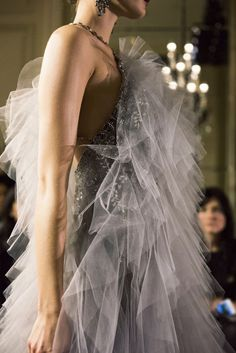 Marchesa Fall 2015 collection shown at the St. Regis New York durning New York Fashion Week Marchesa, Couture Fashion, Runway Fashion, Couture Style, Couture Details, New York Fashion, Daily Fashion, Ann Street Studio, Valentino