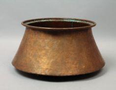 Superb-Antique-Early-20c-Hand-Hammered-Copper-Planter-or-Kindling-Holder