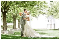 Click the picture...I dare you. This is just about my dream wedding... :)