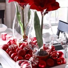 centerpieces-decorating-selection-red-hot-rose-twin-glass-flower-vase-massive-red-ball-ornament-white-rectangle-trays-red-glass-candle-holder-slim-wine-glass-white-table-cloth-holiday-centerpieces-id-300x300.jpg 300×300 pixels