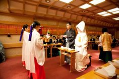 Làm gì để tránh mất mặt khi dự đám cưới ở Nhật