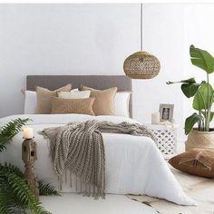 50 Comfy Gorgeous Master Bedroom Design Ideas Sabrina H. Relaxing Master Bedroom, Small Master Bedroom, Master Bedroom Design, Cozy Bedroom, Home Decor Bedroom, Bedroom Ideas, Scandinavian Bedroom, Closet Bedroom, Bedroom Furniture