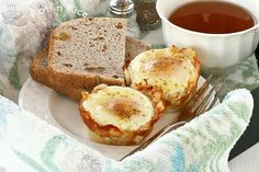 Baked Eggs in Shredded Cheese and Potato Cups | Food to gladden the heart at RotiNRice.com