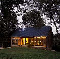 DoMa gallery from a converted barn in Baltimore county by W Architecture. Small Barns, Old Barns, Modern Barn, Modern Farmhouse, Future House, My House, Bungalows, Le Ranch, Converted Barn