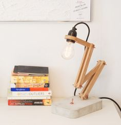 Wood and concrete desktop lamp by MyHumbleCorner on Etsy Desktop Lamp, Diy Lampe, Concrete Light, Wooden Lamp, Woodworking Projects Diy, Lamp Design, Chrome Finish, Pendant Lighting, Candle Holders